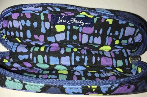 VERA BRADLEY SMALL OBLONG ROUNDED ZIPPERED CASE BLUE FLORAL NICE !