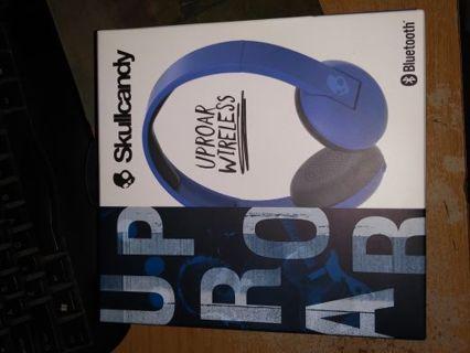 Skullcandy Uproar Wireless Bluetooth Headphones BRAND NEW