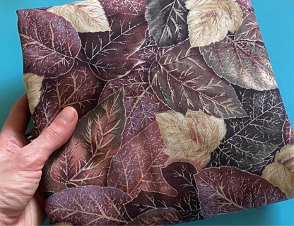 1 yard vintage 90s leaves high quality quilting cotton fabric w/ metallic accents! (GIN for ~2 yds!)