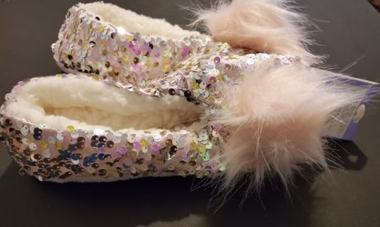 Cute Sequined Houseshoes Size Small - Medium