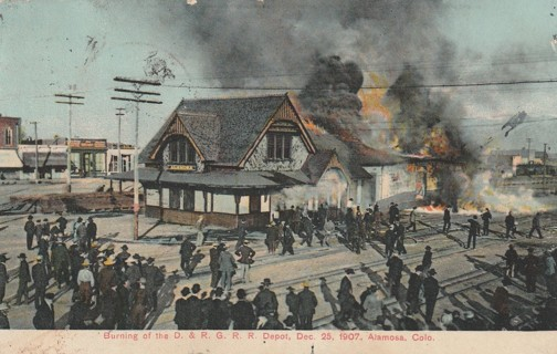 Vintage Used Postcard: 1908 Burning if the D & R G RR Depot, Alamosa, CO