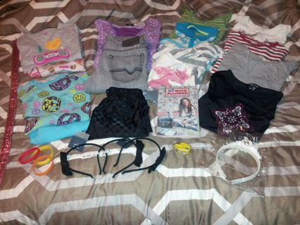 25 Piece Girl Clothing & Accessory Lot