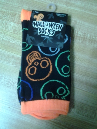 BNWT COLORFUL SKULL SOX FOR HALLOWEEN (9-11)