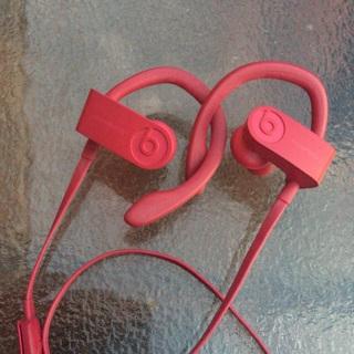 Pink Powerbeats 3