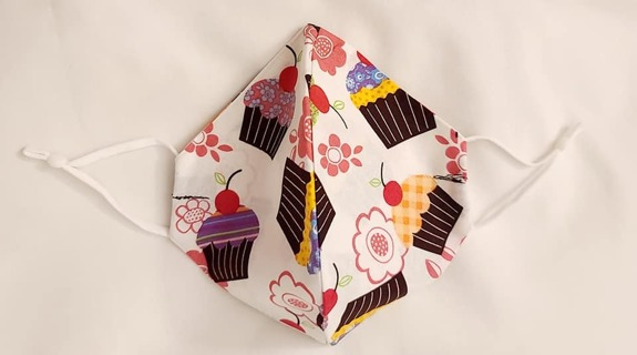 FACE MASK ADJUSTABLE BAND IN CUPCAKES PRINT OLDER TEEN/ADULT***LQQK***