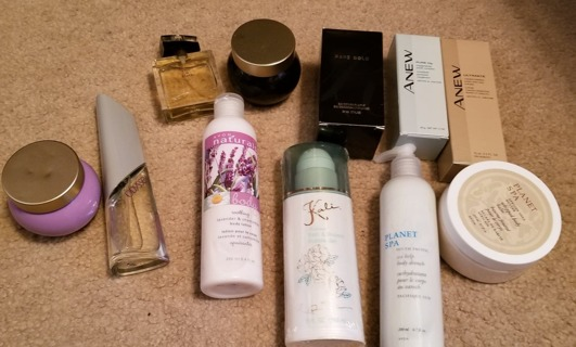 HUGE AVON FRAGRANCE & LOTION BONANZA - FREE SHPG :D
