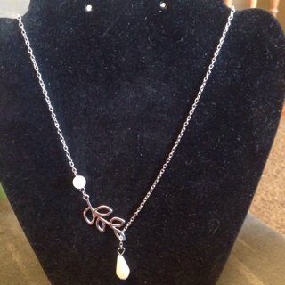 Silver Necklace with pearl leaf drop