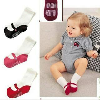 Children Socks Anti Slip 1 Pair New Born Baby Clothes Boys Girls Rubber Sole Socks Newborn Winter