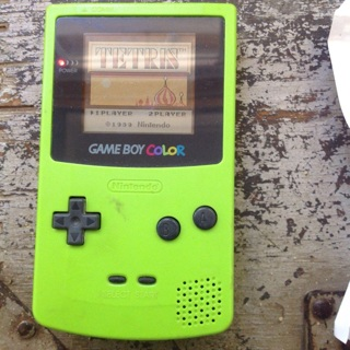 Gameboy color lime green with Killer instinct,Tetris and space invades, works great