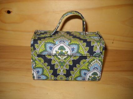 Free: Vera Bradley Hard-Sided Mini Jewelry Case / Cambridge