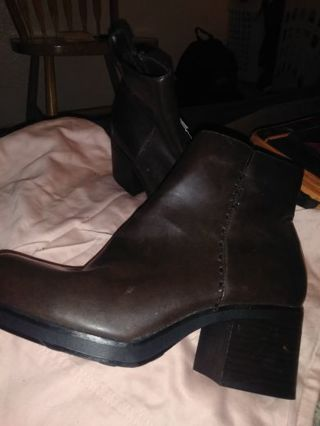 New w tags boots size 7 1/2