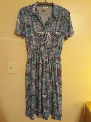 "Ladies Dress by ""Darian"". Size 16."