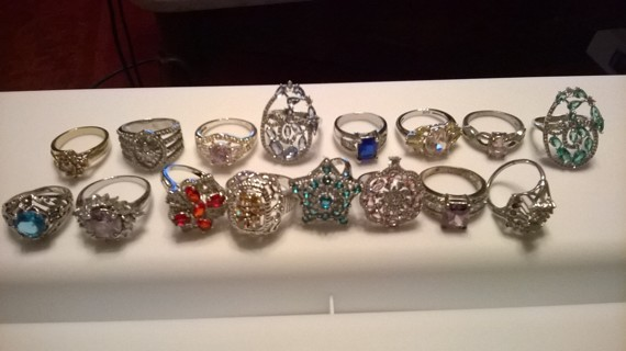 Lot of 16 Rings Variety, some stamped