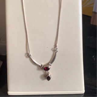 GORGEOUS STERLING SILVER AND GARNET CHOKER NECKLACE 15""