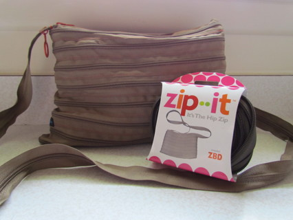 Free Zip It Purse Made Of One Continuous Zipper