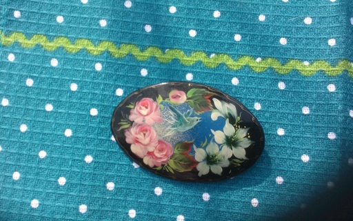 Beautiful Brooch ** Hand Painted & Signed