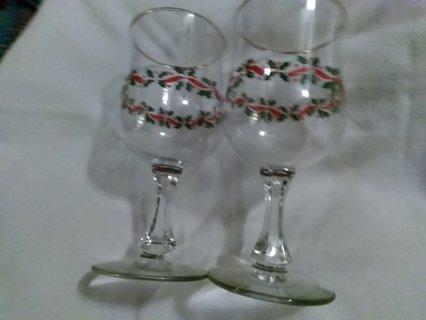 2 christmas glass