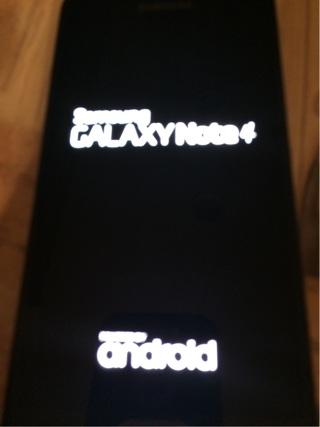 Verizon Samsung Galaxy Note 4 Cellphone w/Extras!