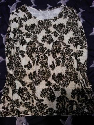 womens size lg.leopard print long sleeve shirt.