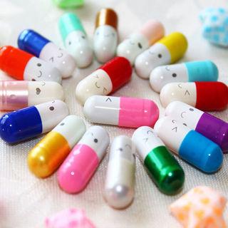 50Pcs Message in a Bottle Capsule Letter Cute Love Friendship Half Color Pills