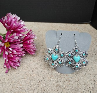 New Lovely Pair of Bold Silver Statement Turquoise Flower Earrings