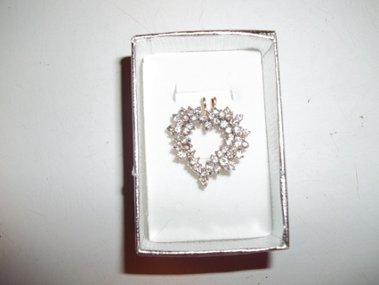 14kt gold diamond heart pendant