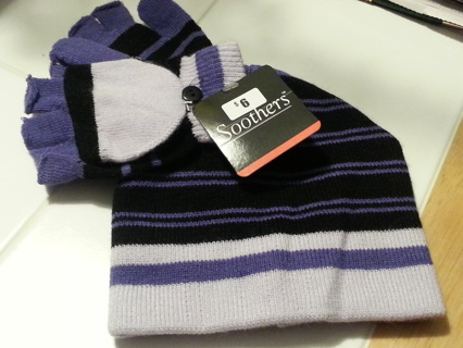 Hat and gloves for girls - new