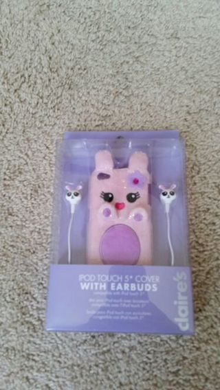 New iPod touch 5 case with ear buds