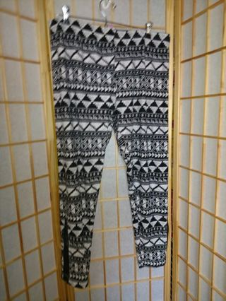 Black and White Leggings Juniors Size 19
