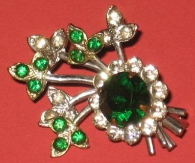 Vintage Small Rhinestone Pin