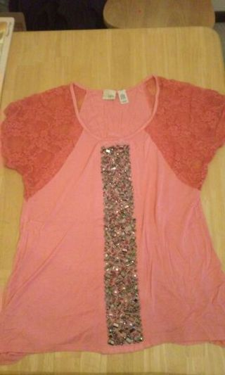 daytrip size L ladies Top from the Buckle
