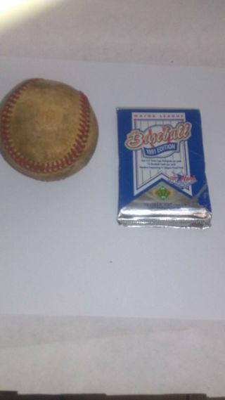 1991 Major League Baseball 3- D Team Logo Hologram & Base ball