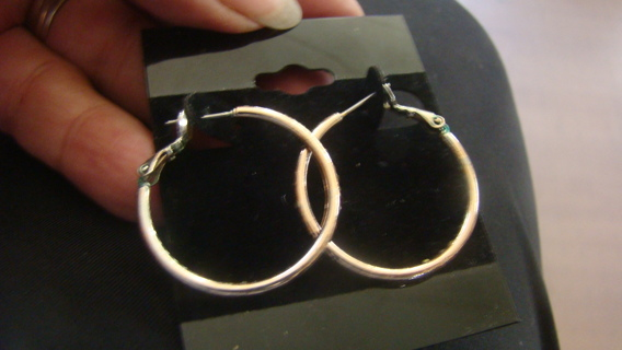 10 k Gold hoop earrings
