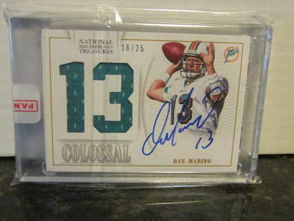 2013 Panini National Treasures Colossal Encased Dan Marino #14, Auto, Dual Jersey Number, SP16/25