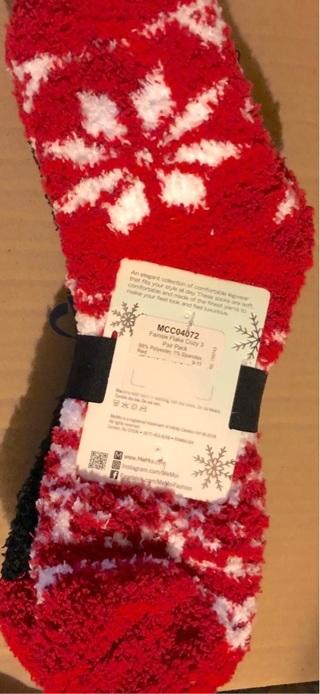 BNIP MeMoi Cozy, Red White & Black Snowy / Santa Socks!! Size L. Extremely Soft!!
