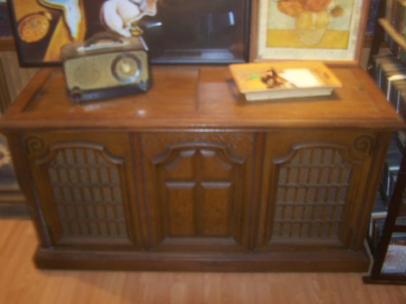 Free Antique Magnavox Collaro Turnable Console Antiques