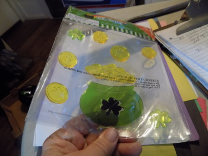Shamrock and pot of gold coins window gel clings NIP