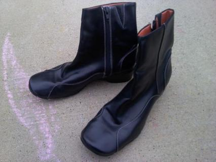 Size 9 Woman's Boots