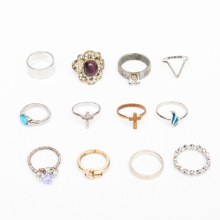 Mixed Lot of 12 Costume Jewelry Rings 26g