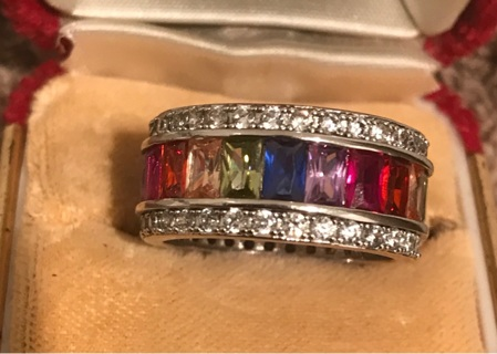 Multiple stone rainbow ring, including Peridot, Citrine and Amethyst with clear quartz surround.