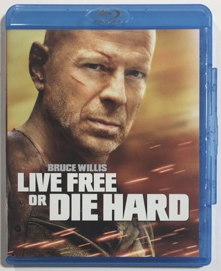 Live Free or Die Hard (Bruce Willis) Blu-ray Movie with Case and Artwork - NM to MT Disc!