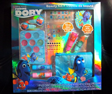 BRAND NEW - Disney Pixar Finding Dory Beauty Kit Lips/Nails & More - Great Gift Idea