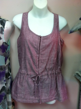 COLD WATER CREEK PLUM OR BLUE COLOR SLEEVELESS BLOUSE / TOP ( BRAND NEW )