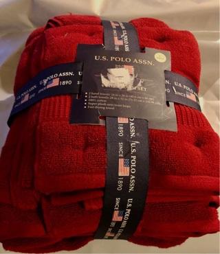 Brand New Red Four Piece 100% Cotton Towel Set! Soft, Pretty Super Plush!!