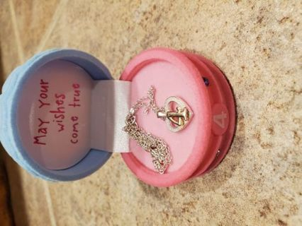 Gift box with necklace 4 years