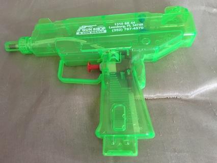 """Green squirt gun (8""""x4"""")"""