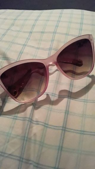 Authentic Chanel baby pink sunglasses, super adorable!