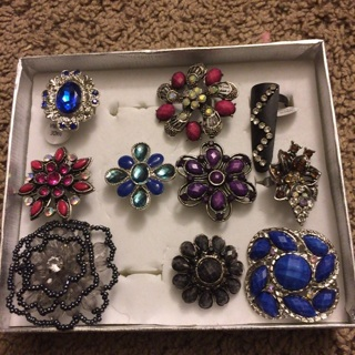 Bunch of rings tiered auction