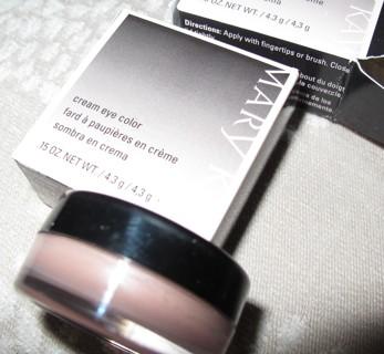 MK Cream Eye Color