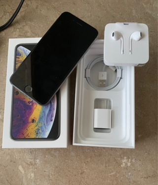 iPhone 6, 128 gigs , unlocked with new charger + cord + earbuds